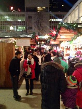 Der Weihnachtsmarkt.