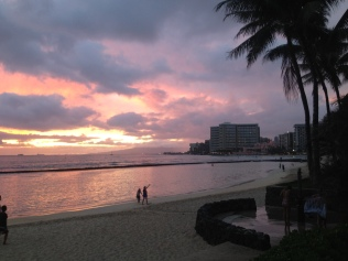 Waikiki Beach beim Sonnenuntergang